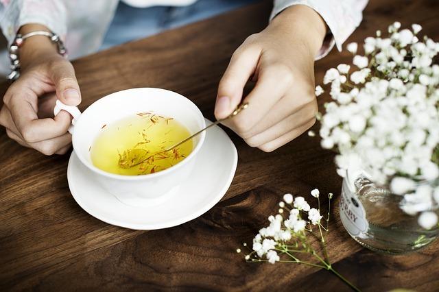 propiedades y beneficios del aceite de cártamo