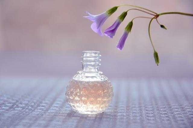 propiedades,perfume,cosmética aceite vetiver